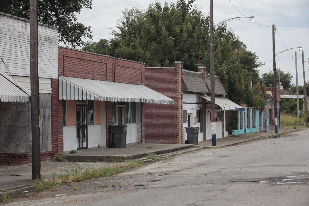 Пайн Блафф, Арканзас бедность