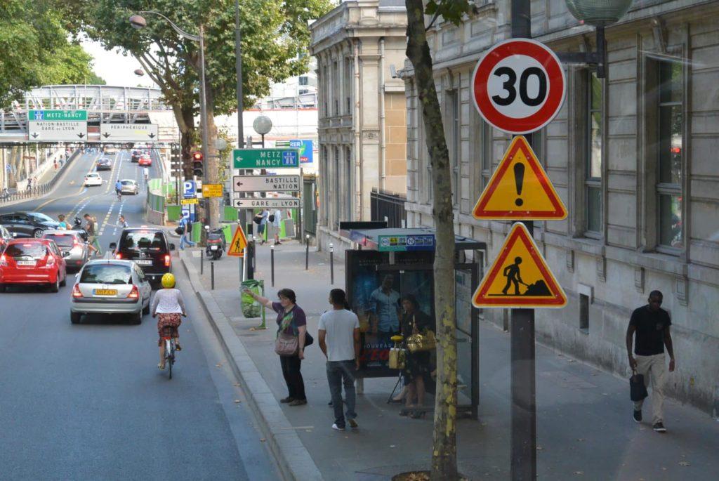 Знаки STOP Париж