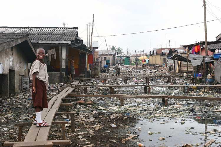 Лагос, Нигерия бедность