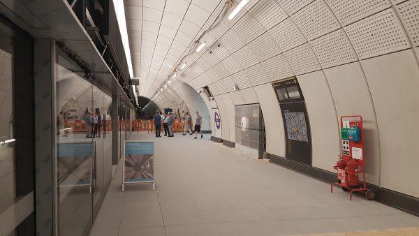 Станция Фаррингдон приведения