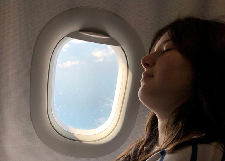 Как быстрее всего уснуть в самолете