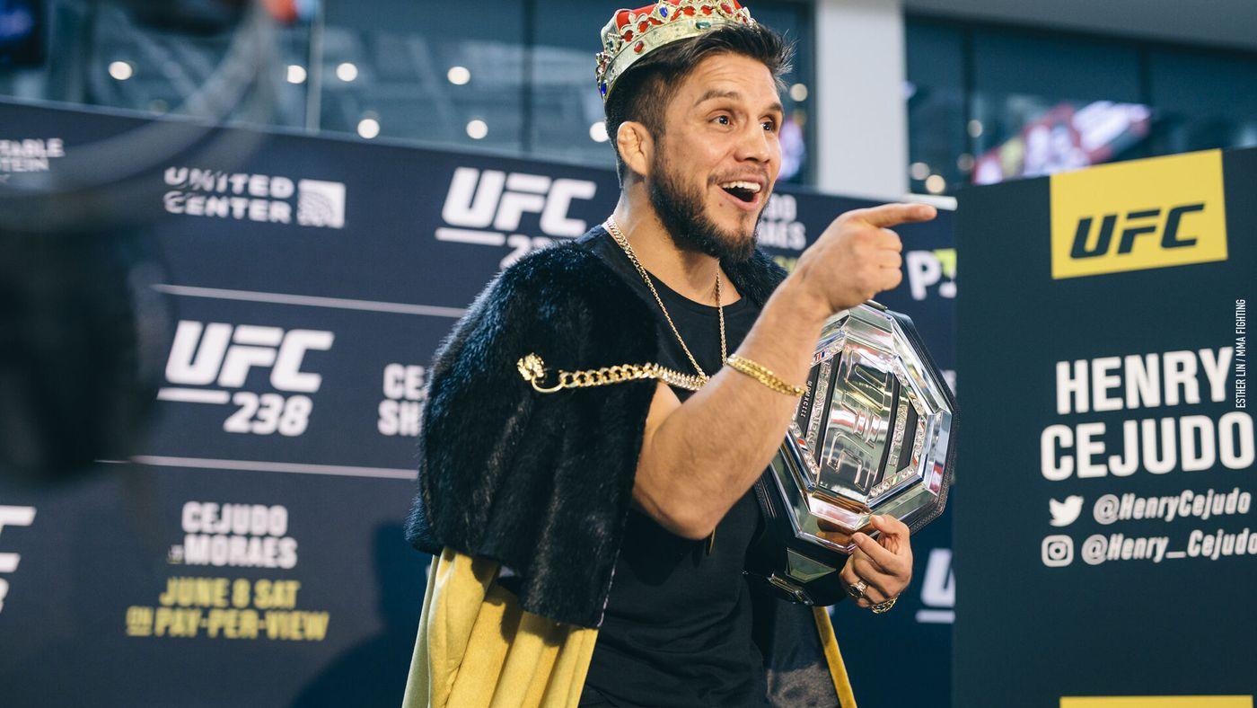 63 американца выиграли титул чемпиона UFC.