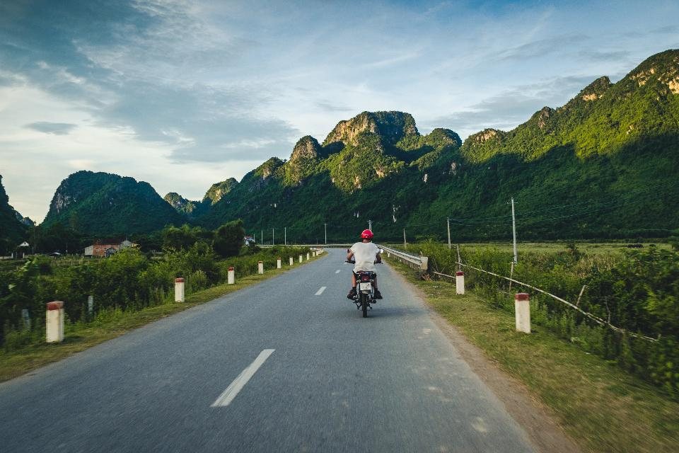 Путешествие на мотобайке. Нинь Бинь, Вьетнам