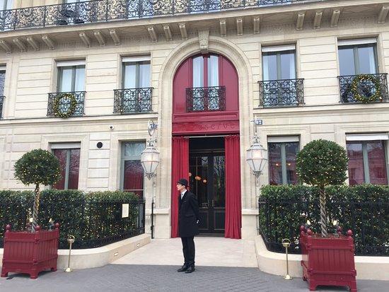 Отель La Réserve Paris