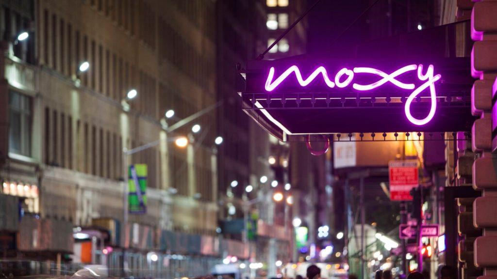 Отель MOXY NYC Times Square Нью-Йорк