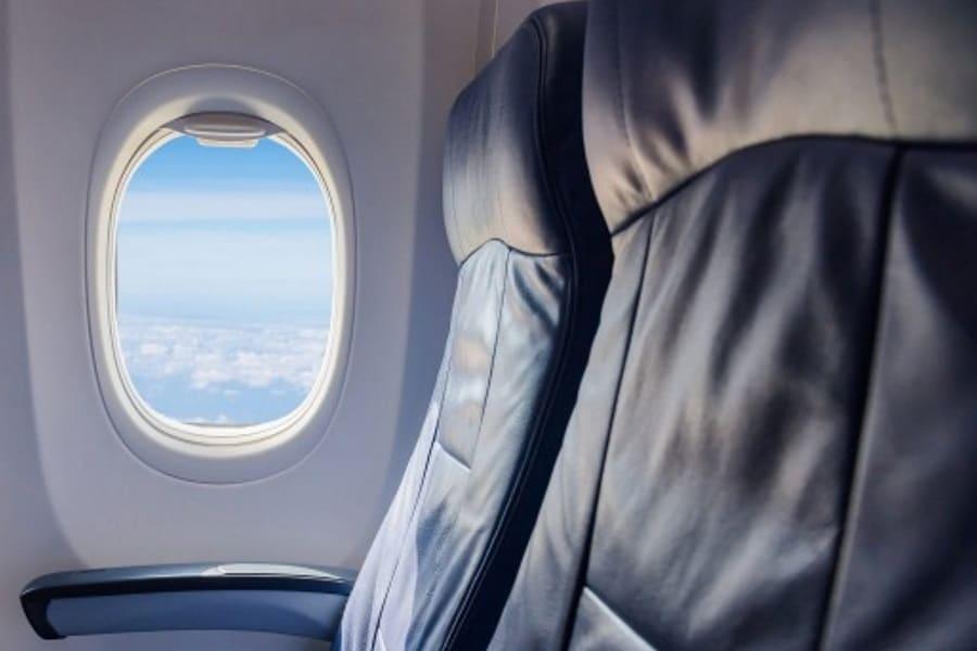 Самолет место у окна