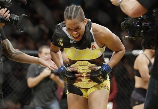 Бразилия является второй страной по количеству чемпионов UFC.