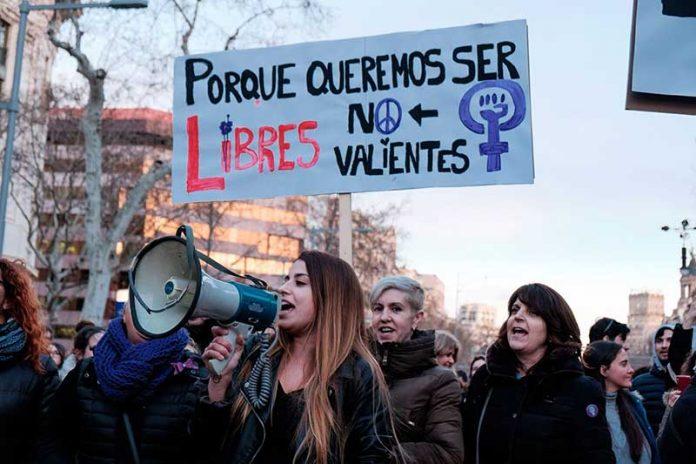 Испания равенство женщины