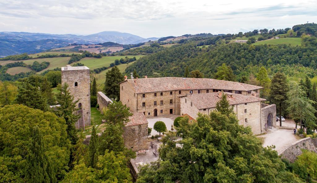 Отель Castello di Petroia