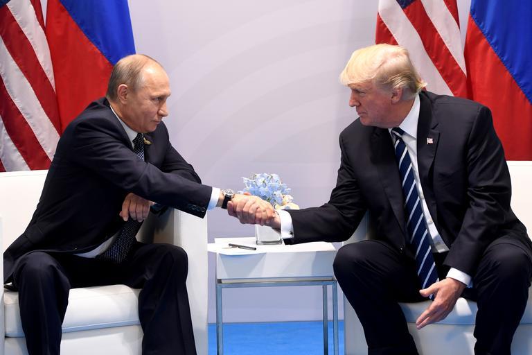 Трамп поблагодарил Путина за высылку американских дипломатов