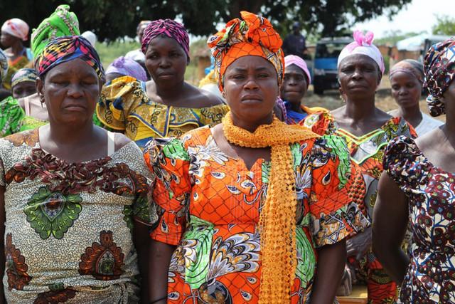 Ангола женщины