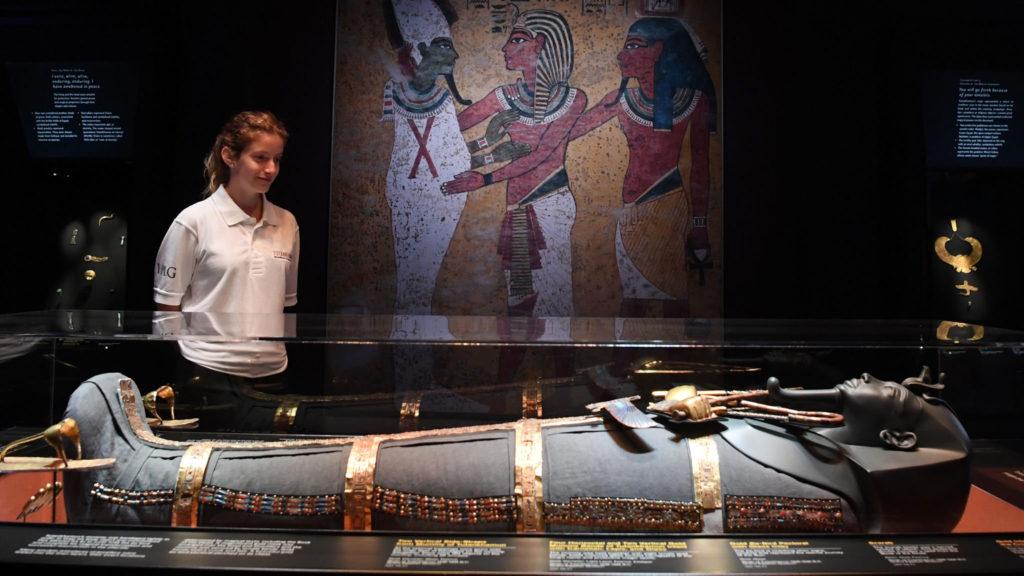 Тутанхамон, Галерея Саатчи