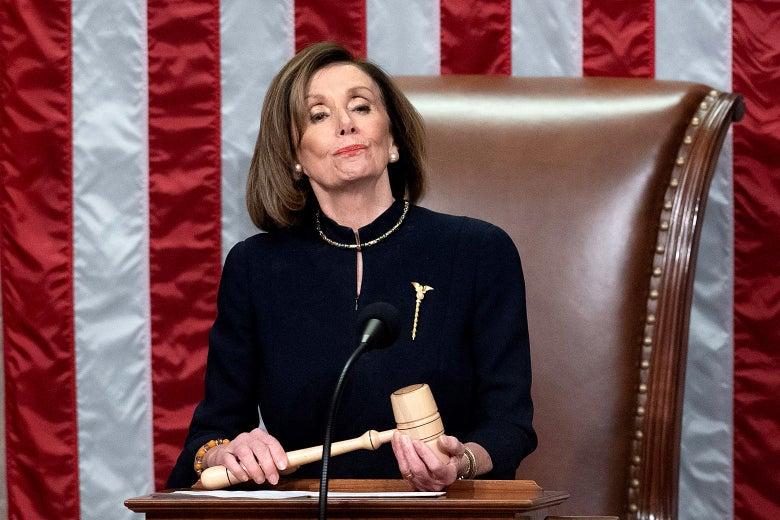 """Во время дебатов демократы заявили, что Трамп был """"постоянной угрозой национальной безопасности"""""""