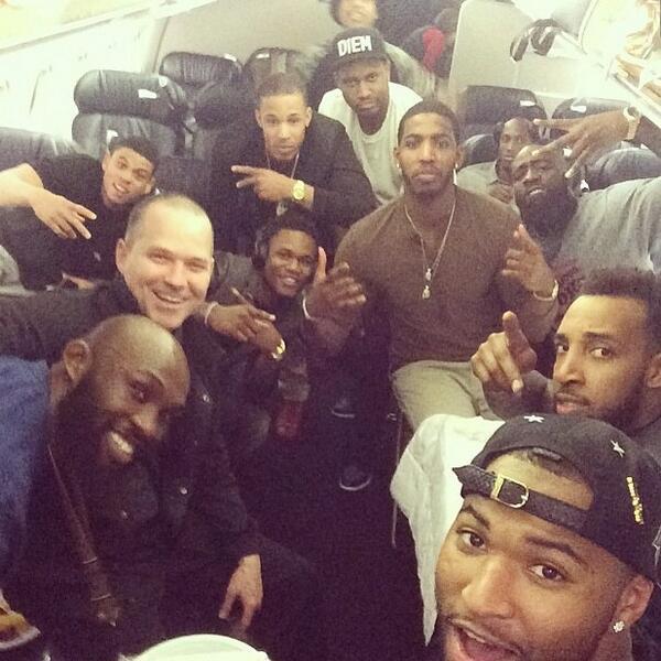 Как команды НБА прибывают на выездные матчи?