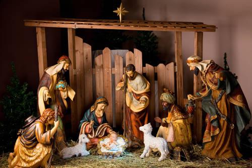 Библия говорит, что Иисус родился в сарае или конюшне