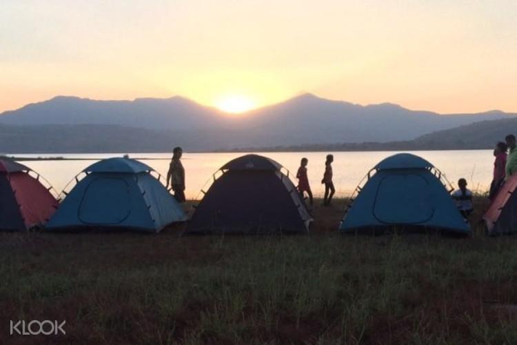 Кемпинг на озере Пауна