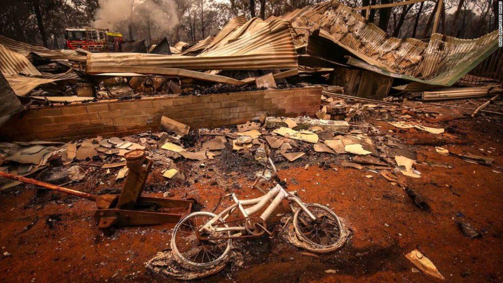 Жизнь тысяч людей разрушена, и реакция правительства не вдохновляет