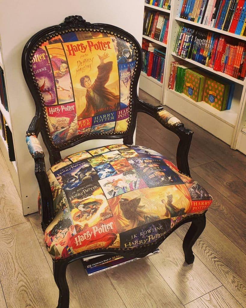 Книжный магазин Алана Ханны - прочитайте книгу на троне Гарри Поттера