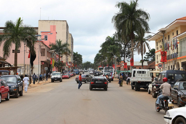 Уиже, Ангола