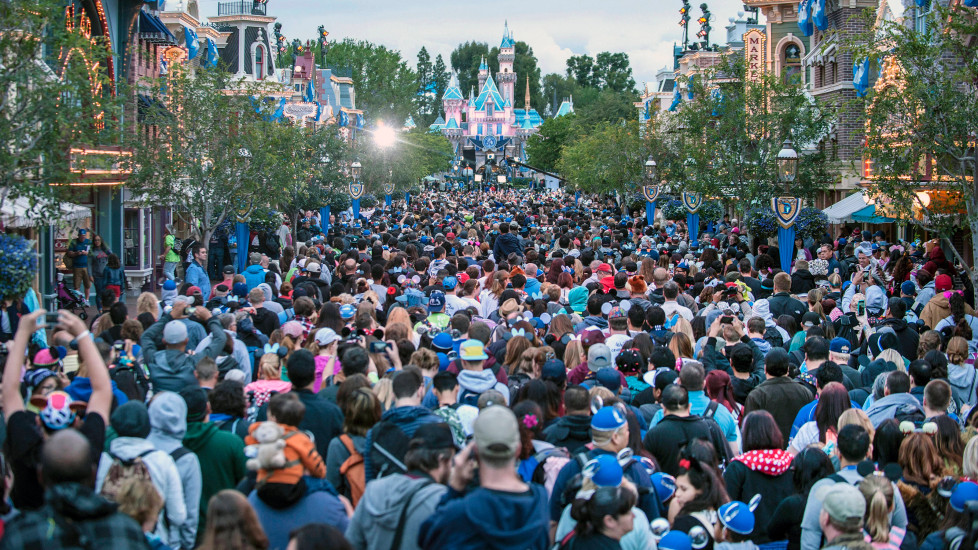 Диснейленд толпы