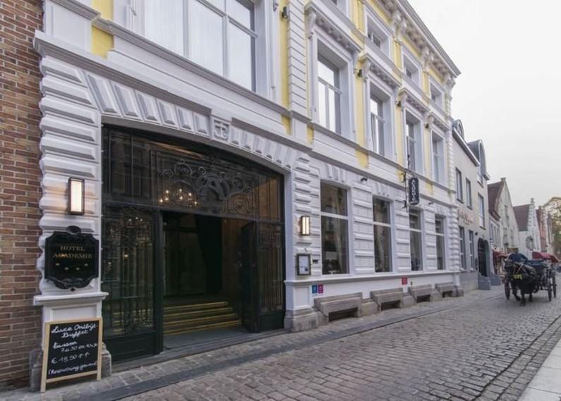 Отель Academie