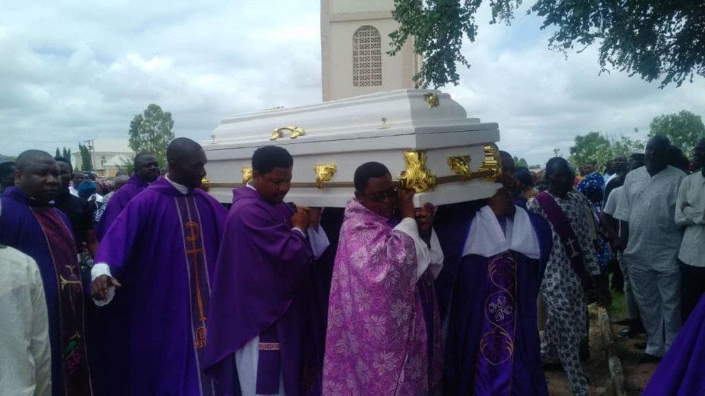 Устранение священника - гораздо больше, чем уничтожение человека