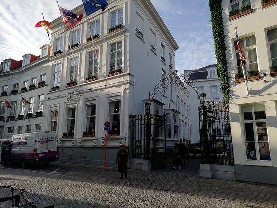 Отель Наварра