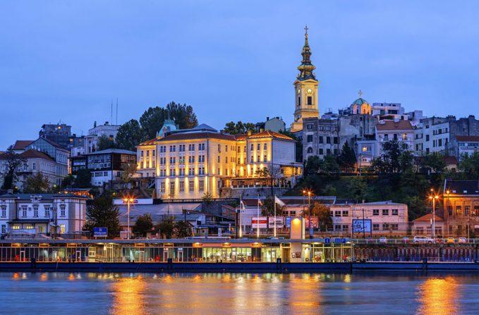 Сербы хорошо известны своими вечеринками, которые длятся до утра