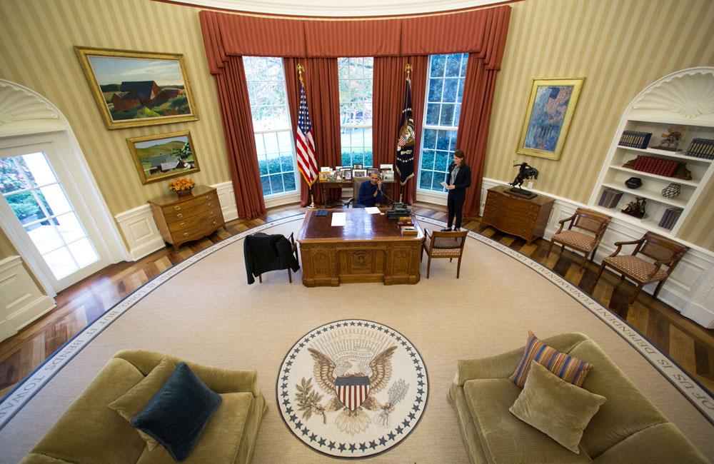 Насколько велик Овальный кабинет и почему он овальный?