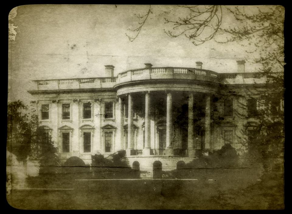 Есть ли призраки в Белом доме?