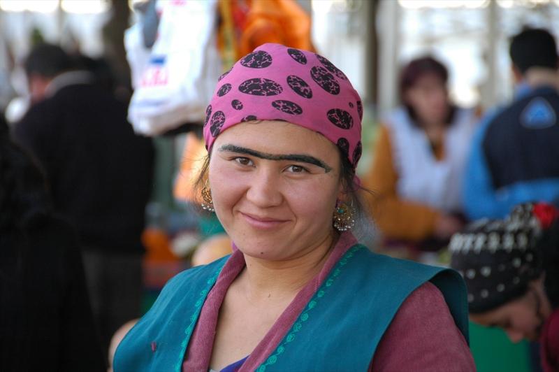 В Таджикистане очень сексуальные брови