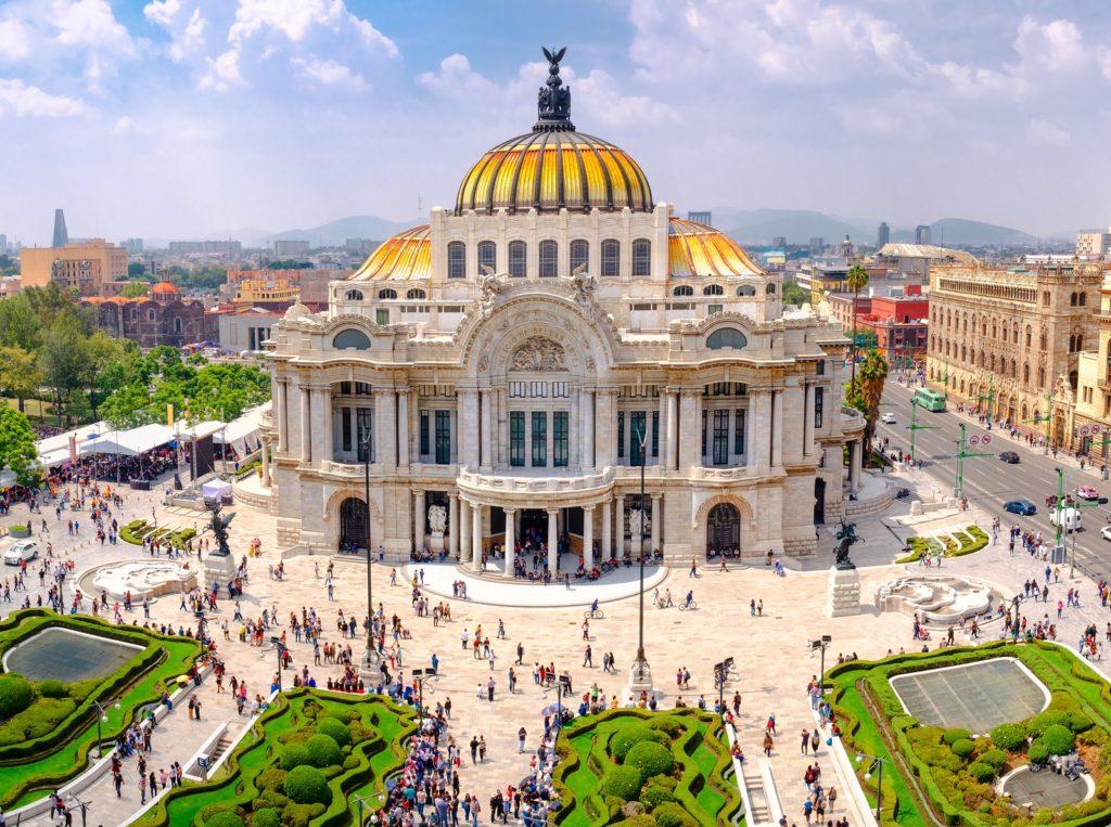 Путешественники могут посетить более 160 музеев в Мехико