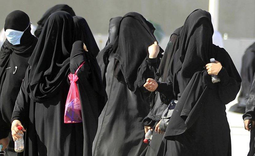 """Саудовская Аравия ввела законы """"О приличиях"""""""