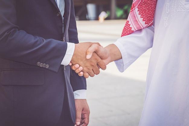 Катар: Не делайте никаких оскорбительных жестов руками