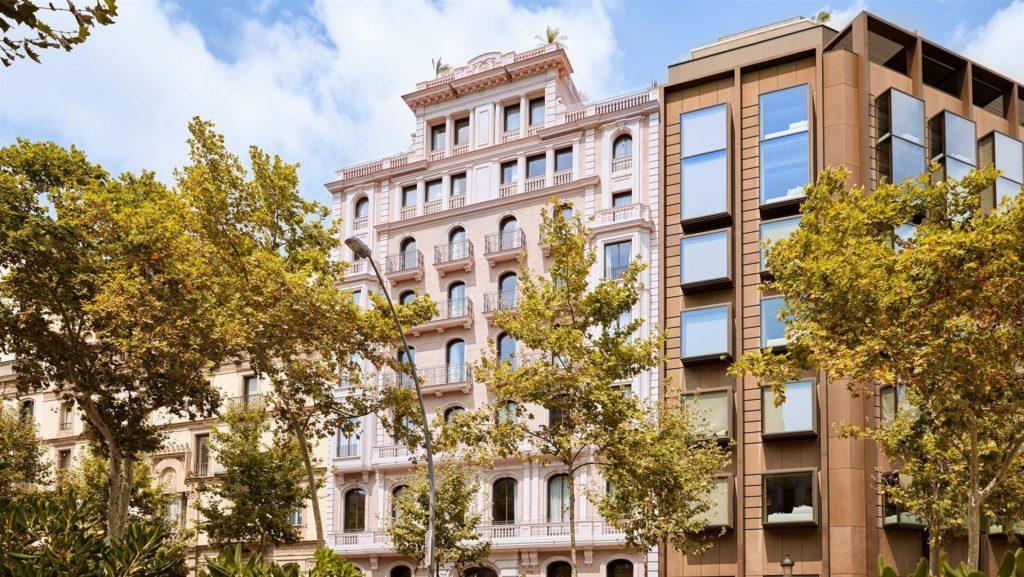 Almanac, Барселона