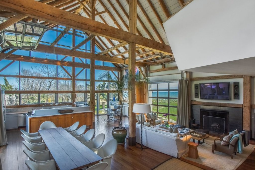 Открытый и современный дом с 3 спальнями в Сагапонеке, штат Нью-Йорк, оценивается в $39 млн