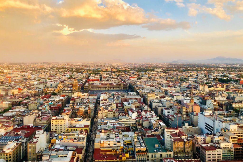 Мехико намного больше Нью-Йорка