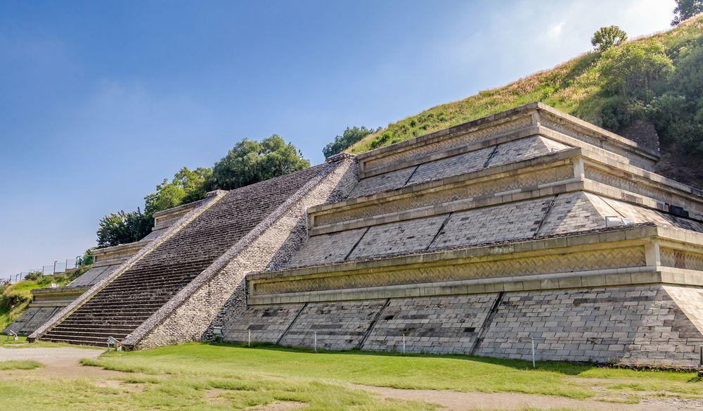 В Мексике находится самая большая пирамида в мире
