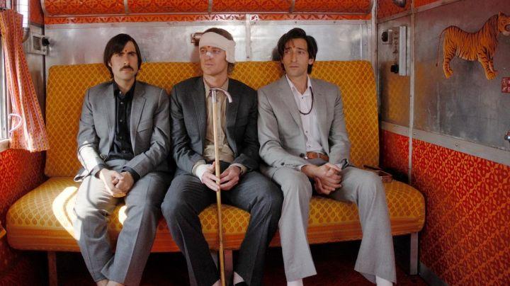 Поезд на Дарджилинг. Отчаянные путешественники (2007)