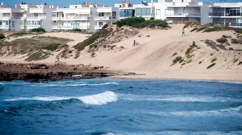Cтройки вблизи воды нарушают способность пляжей двигаться