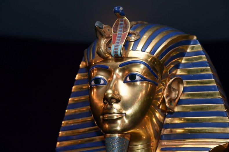 Приемники Тутанхамона пытались вычеркнуть его из истории