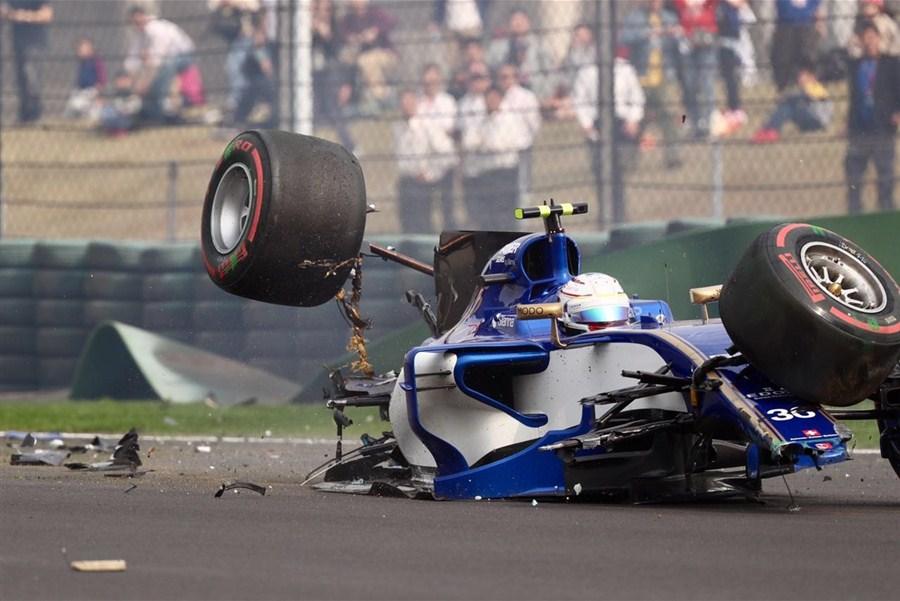 Болиды Формулы-1 очень хрупкие