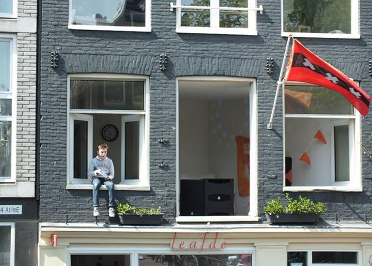 Почему нидерландцы не возражают, когда к ним заглядывают в окна?