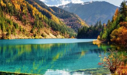 12 самых удивительных озер во всем мире