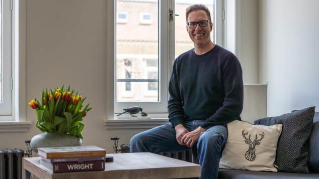 Ян Виллем ван Хофвеген, 41 год, живет на третьем этаже
