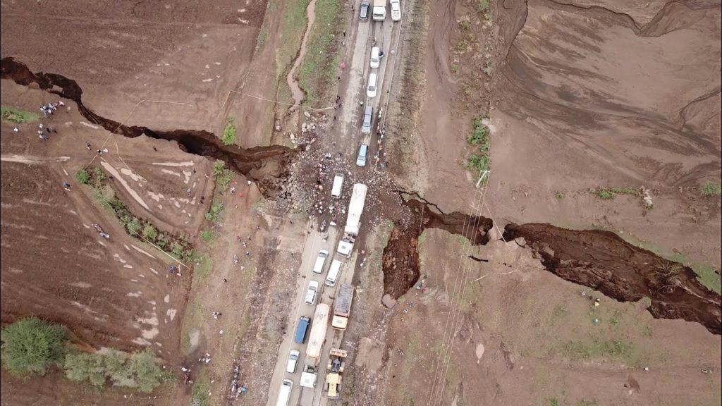 Землетрясение магнитудой 12 баллов расколет Землю пополам