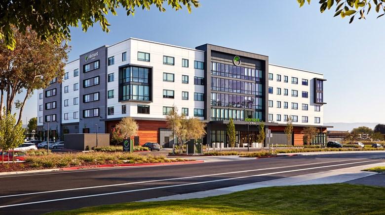 Element Hotels - разные локации