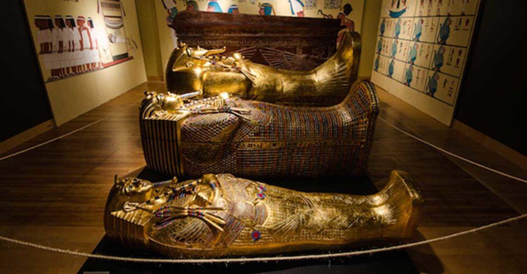 У Тутанхамона было три гроба