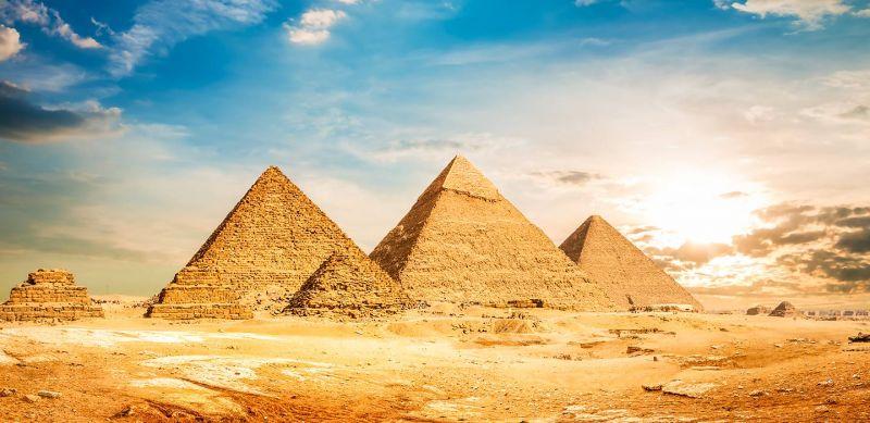 Три пирамиды Гизы в Египте