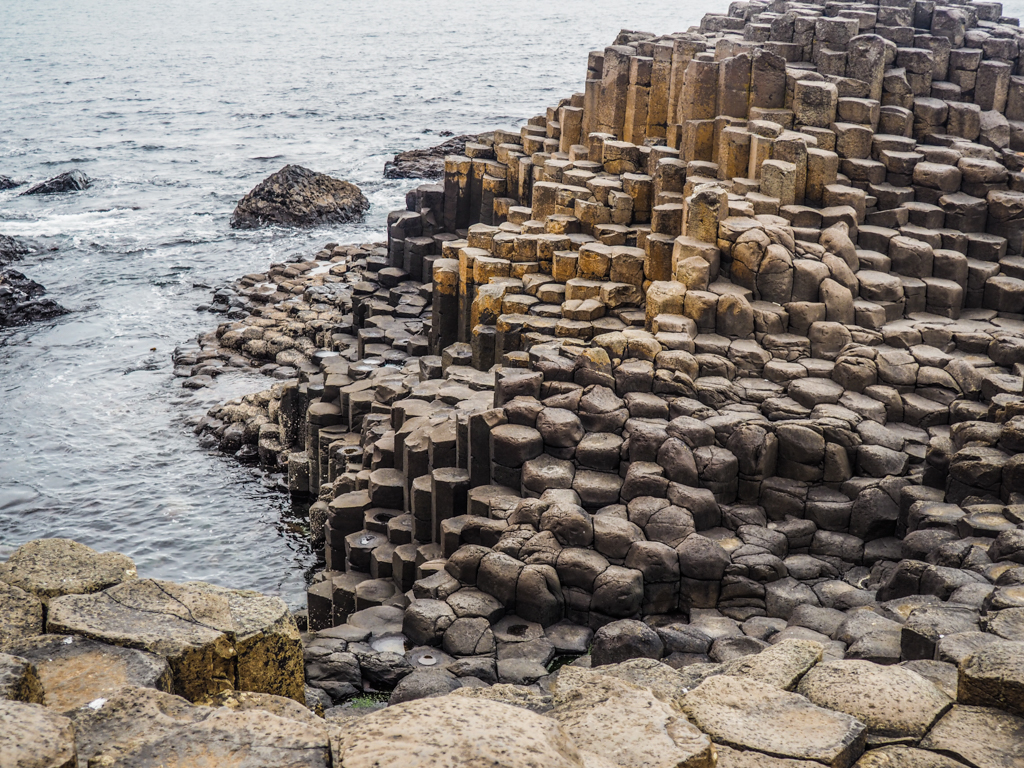 Мостовой гигантов более 50 млн лет - один из фактов о Северной Ирландии
